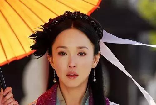 被誉为新加坡四美的      范文芳,郭妃丽,郑秀珍,林湘萍